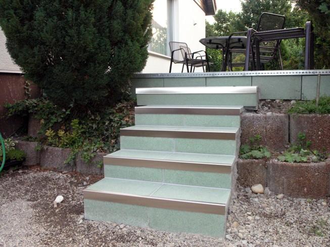 kantenschutz treppe aus edelstahl. Black Bedroom Furniture Sets. Home Design Ideas